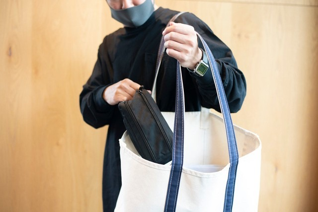 メンズポーチたしなみ。バッグインバッグで簡単カバン移動!